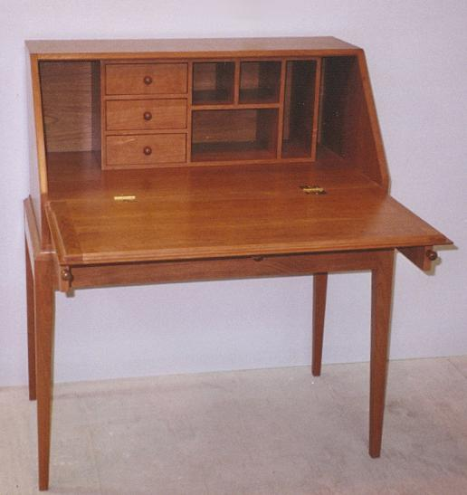shaker writing desk What kind of desk are you looking for click here for corner desks, writing tables, console desks, student desks, executive desks, and optional hutches.